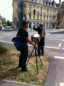 zwei fotografen bei der arbeit.