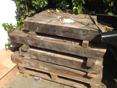 altholz again… rohmaterial für küchentisch, sitzbank und sideboard deck.