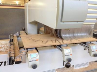 hinzu kommt als Fundament das Wurzelwerk in mdf21mm.