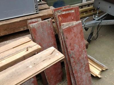 Material: alte Fußbodendielen